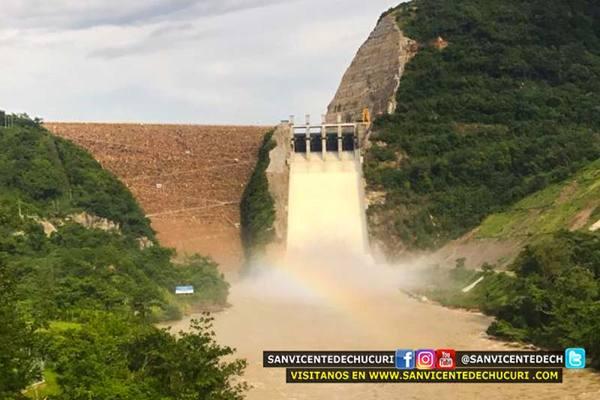 Altas precipitaciones serían la causa de los constantes vertimientos controlados del embalse Topocoro por parte de ISAGEN