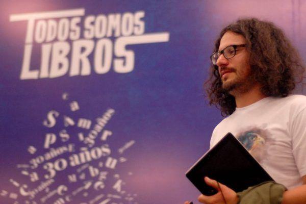 Daniel Ferreira, nacido en San Vicente de Chucurí, presente en la Feria del Libro de Bogotá