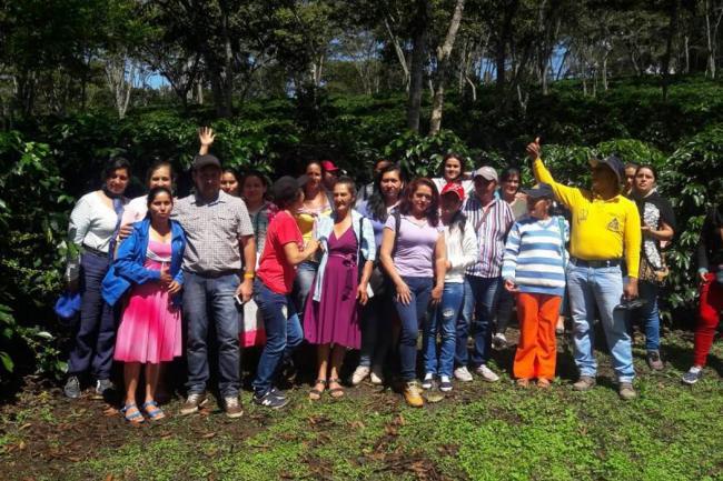 Mujeres cafeteras de San Vicente visitaron Confines