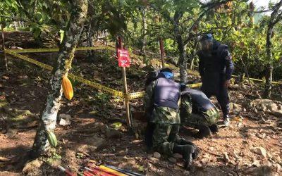 (VIDEO) Cerca de vivienda del Carmen de Chucurí fue hallada una caleta con 25 minas antipersona