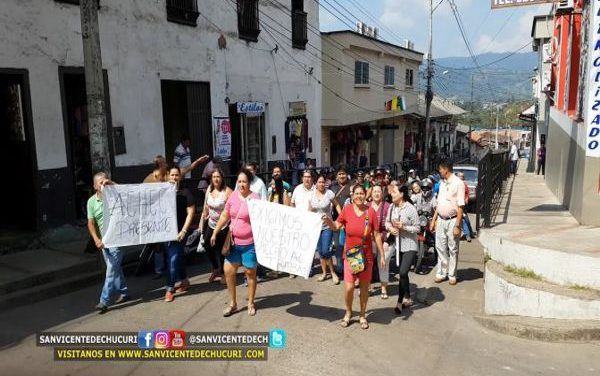 (Video) Protestas ante el cierre del matadero en San Vicente de Chucurí