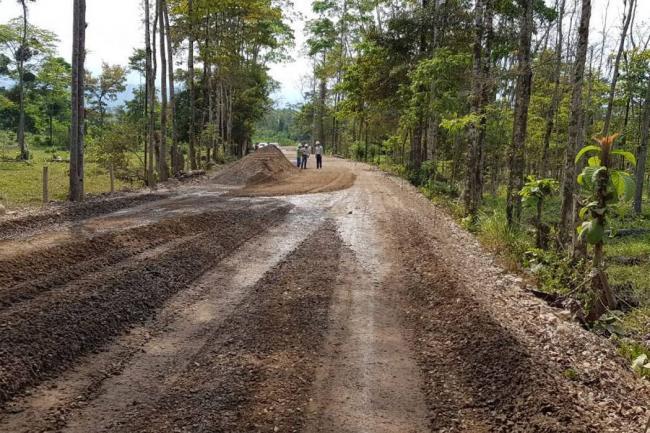 Pavimentación de la vía El Carmen – Yarima presenta avance del 94%