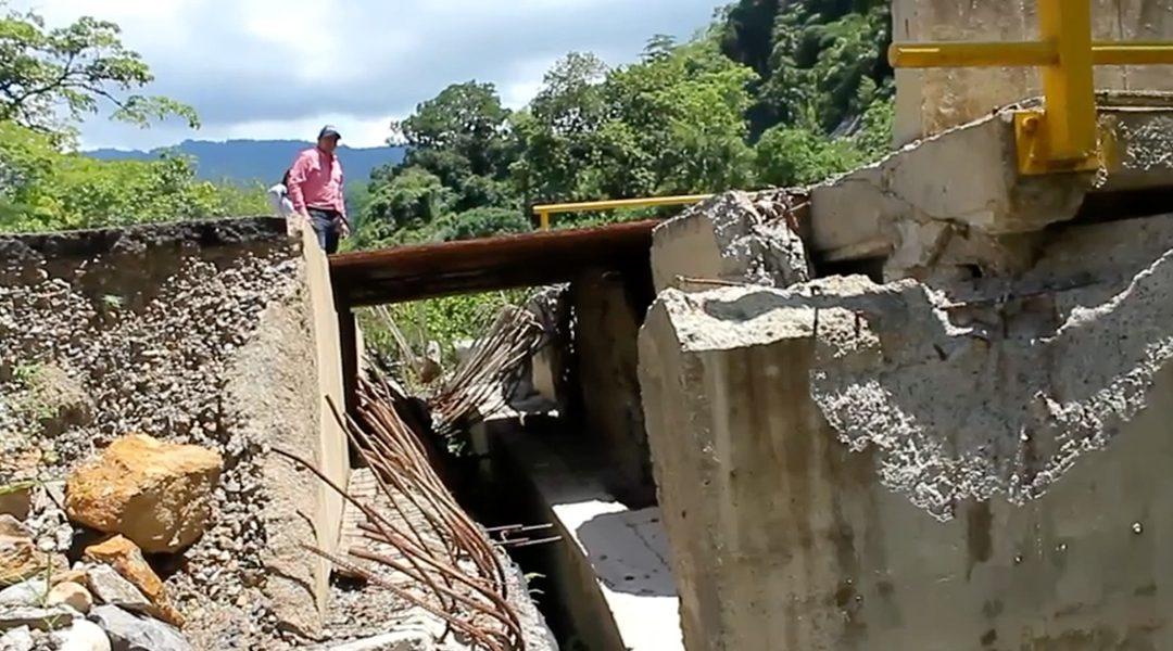 Las bases del puente vehicular La Molinilla se han corrido más de un metro