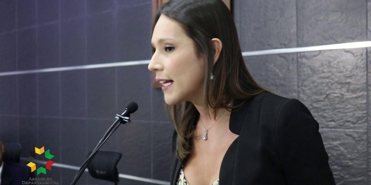 Diputada Chucureña fue elegida embajadora de la fundación 'The United State Of Woman'