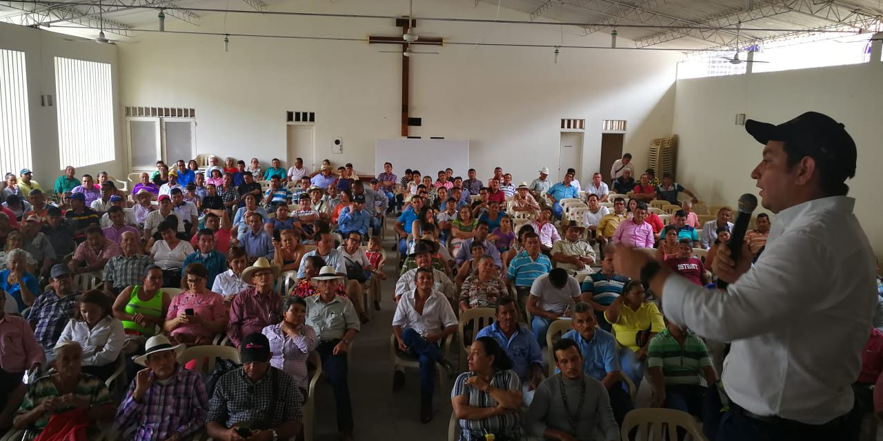 El Dr. Oscar Villamizar, representante a la Cámara de Santander, visitó el municipio de San Vicente de Chucurí