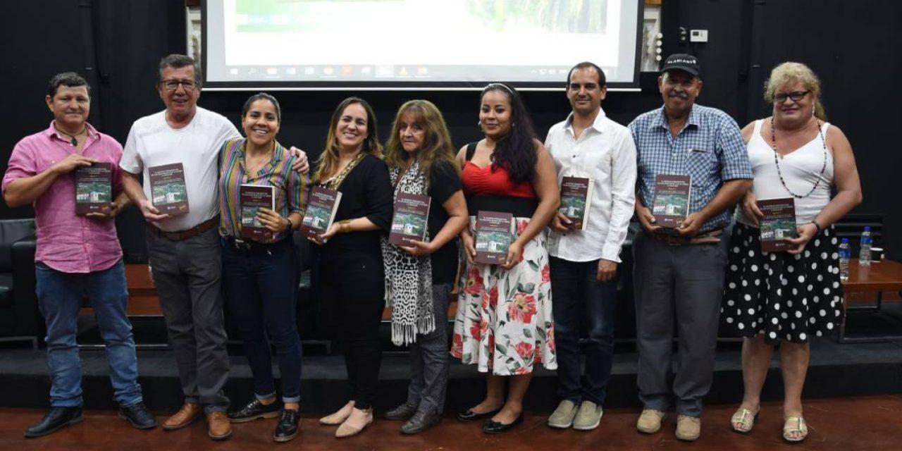 El libro que cuenta como nacieron las autodefensas en Santander