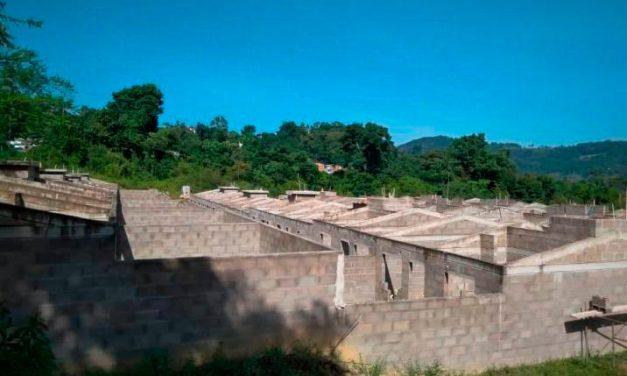 Casas para damnificados en San Vicente siguen 'en veremos'